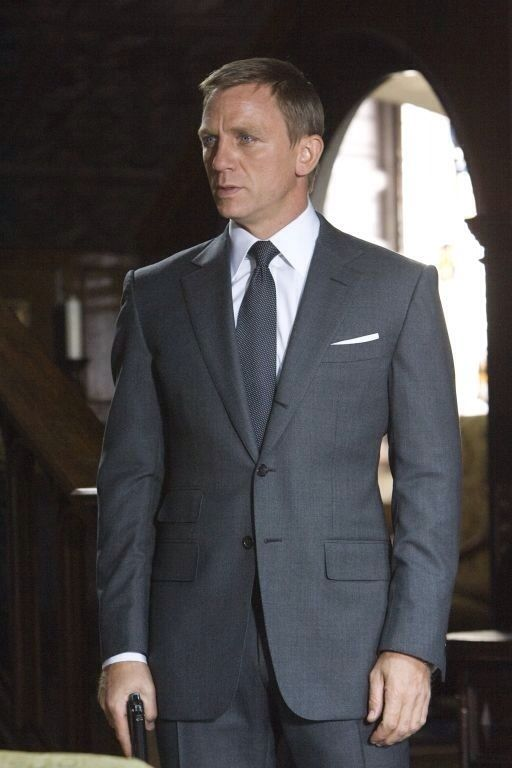 James-Bond-Solace-Grey-Suit