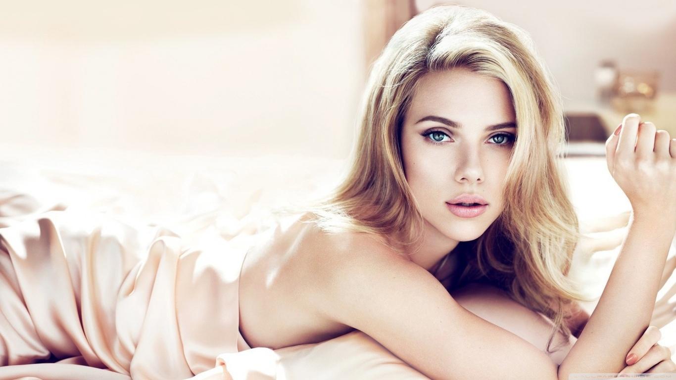 Scarlett-Johansson-se-to-chuc-cuoi-vao-thang-8-07