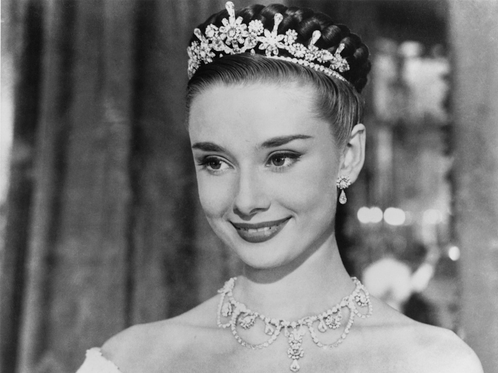 roman-holiday-003-audrey-hepburn-princess-smiling-1000x750