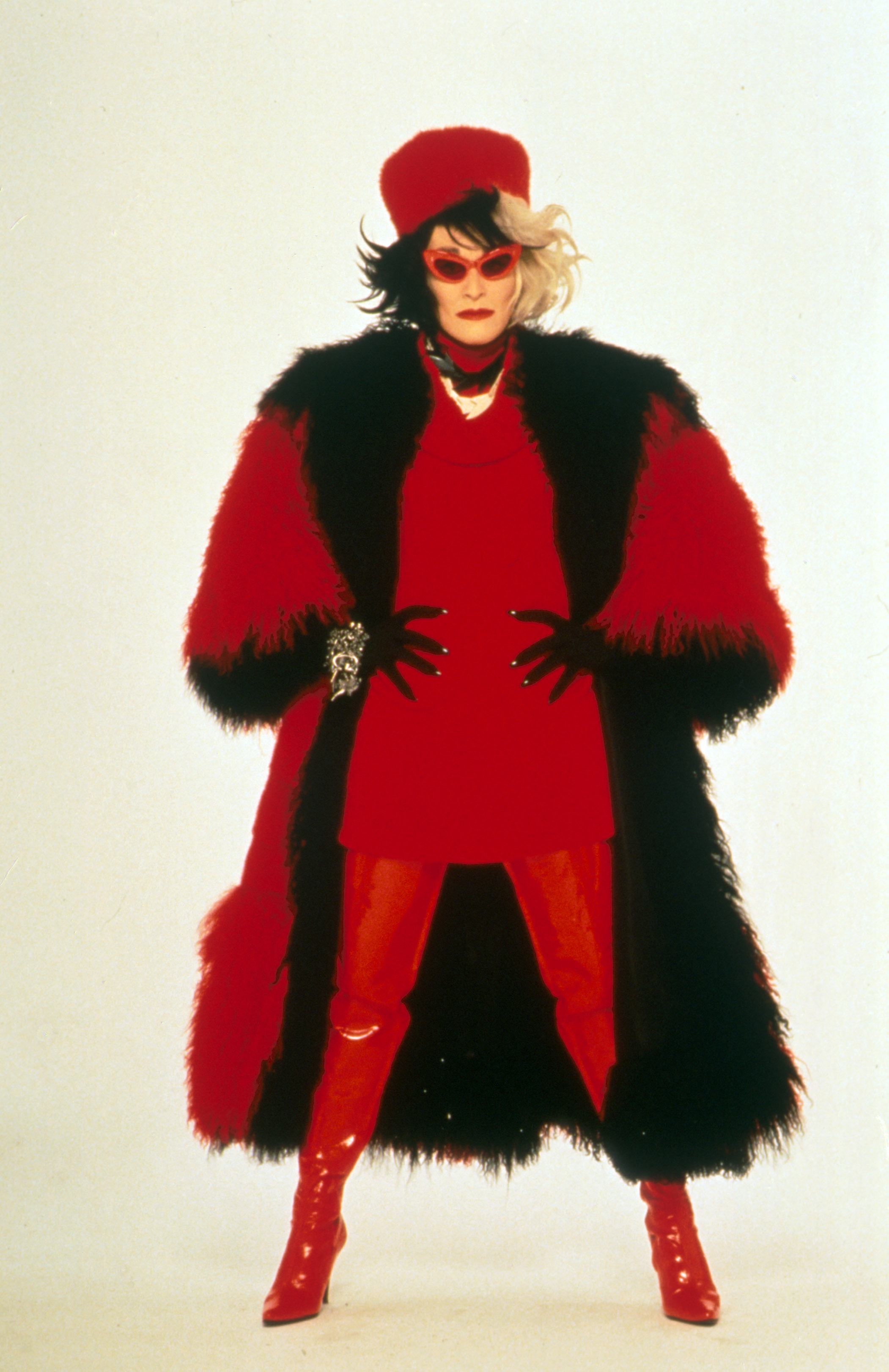 GlennClose-101_Dalmatians_PS_1996-06